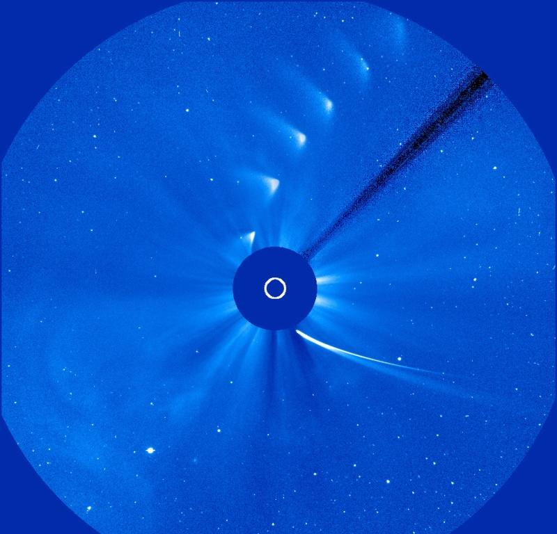 Comet_ISON_disintegrates