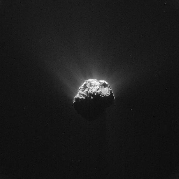 Comet_on_13_June_2015_NavCam_node_full_image_2